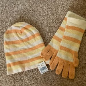 New With Tags Ralph Lauren hat and glove set